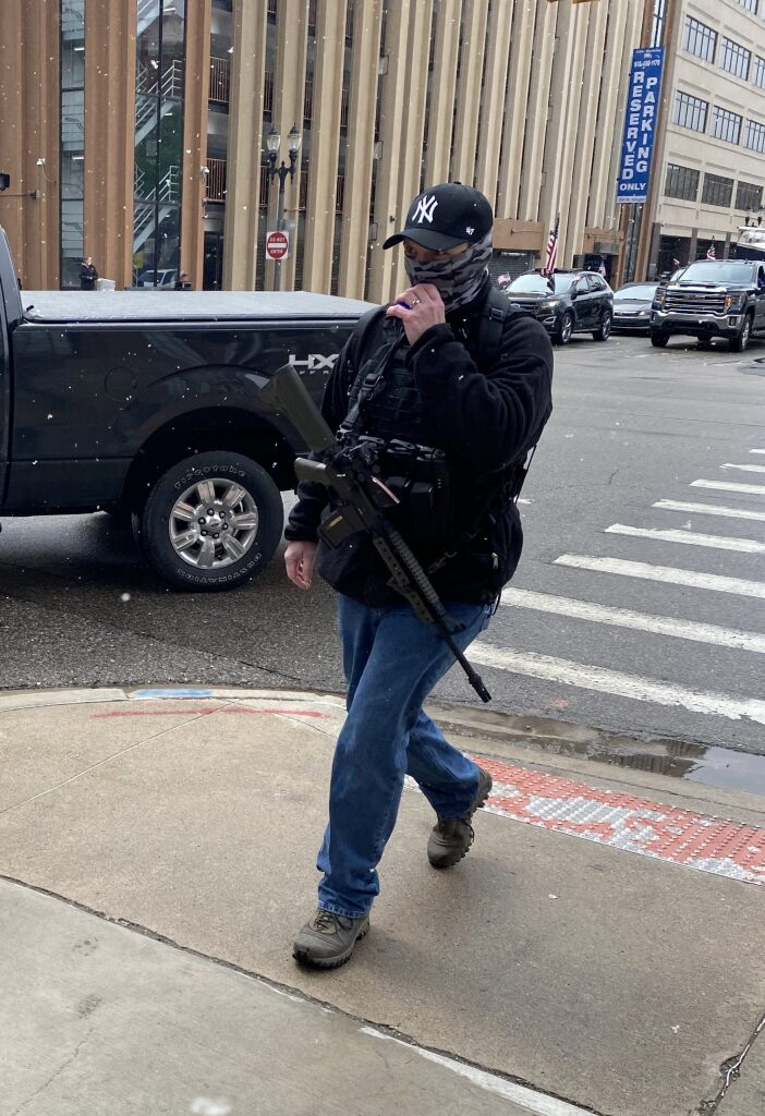 Armed protests Governor Whitmer